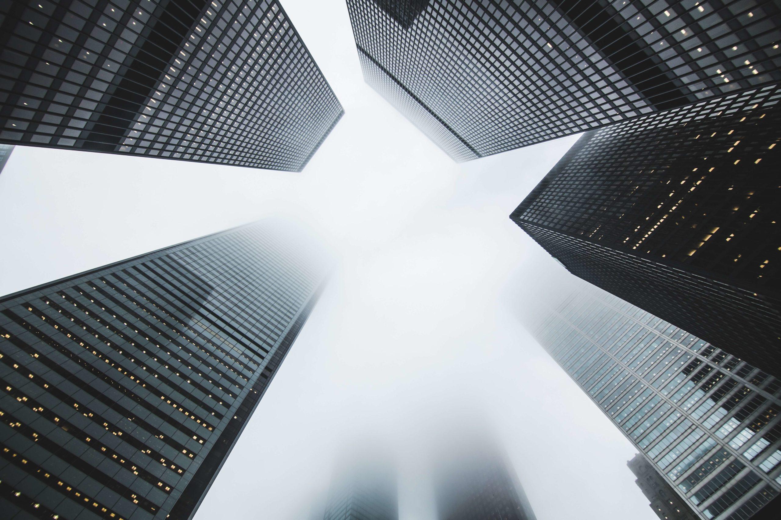 Eine Stadt mit vielen Wolkenkratzern - Rechtsanwalt Dr. Andreas Oehler in 1070 Wien - Miet- und Wohnungseigentumrecht